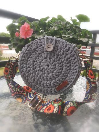Okrągła szara torebka handmade