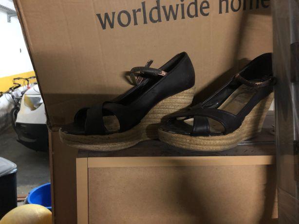 Sandálias cunha muito giras