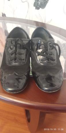 Танцевальные туфли.35 р