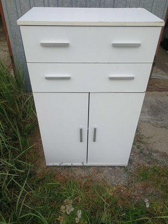 Komoda biała z szufladami