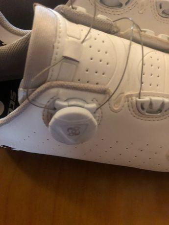 Sapatos de ciclismo