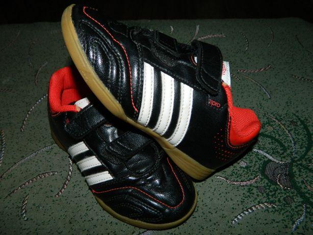 Футзалки Adidas (оригинал) фирменные размер- 30 стелька-18см