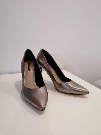 Sapatos Salto Stradivarius