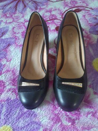 Туфлі жіночі осінні