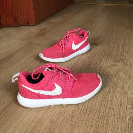 Różowe dziecięce Nike roshe run 33 sportowe oryginalne dziecięce bucik