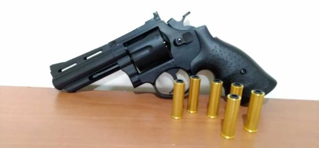 Revolver 350 fps airsoft