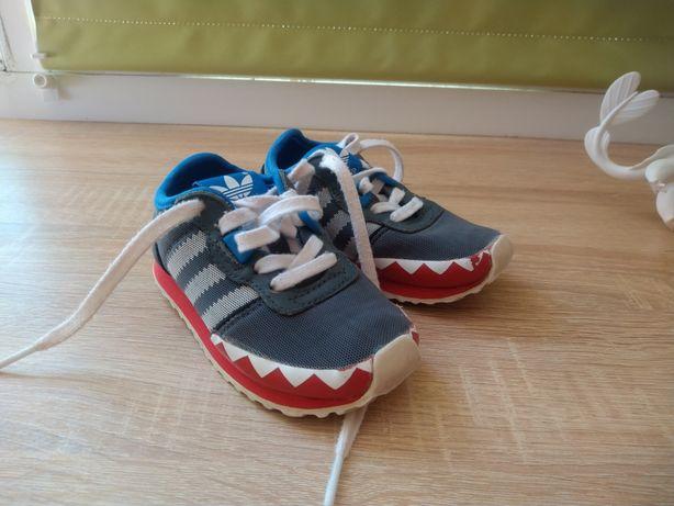 Adidas кроссовки, 21 размер.