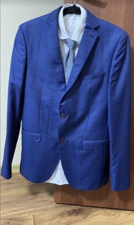 Мужской брючный костюм, размер S, пиджак, брюки, рубашка
