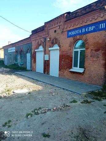 """Продам приміщення в районі ринку """"Привоз"""" площею 40 кв.м"""