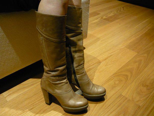 Botas de senhora Nº 37 - Pele genuína - Usadas