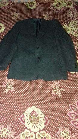 пиджак на мальчика42-44размер новый
