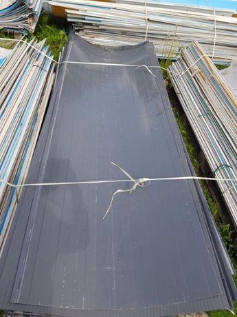 Blachy trapezowe odrywane od płyt warstwowych