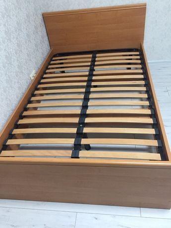 Продам кровать б/у деревянная 1,20*2,00м