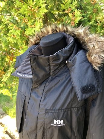 Демисезонна куртка Helly Hansen.
