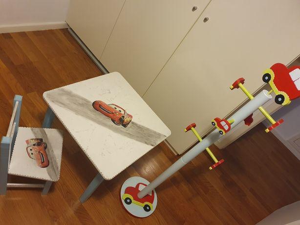 Conjunto Mesa + Cadeira Cars e cabide para Criança