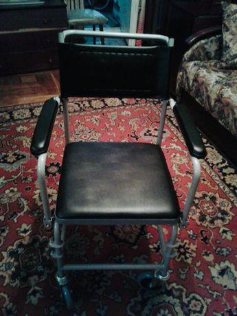 Кресло с туалетом ( био) для пожилых людей