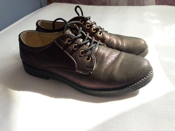 Туфли кожаные с бордовым напылением 37р