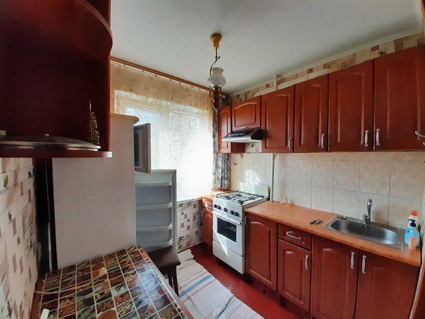 2-кімн.кв. р-н Зеленої, Тепла, мебльована, Холодильник