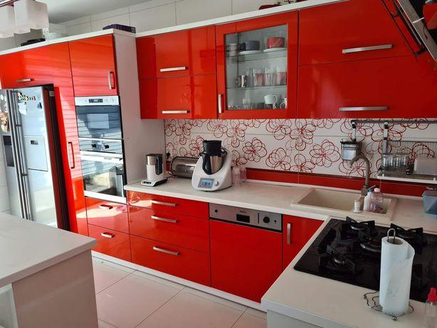 Meble kuchenne + sprzęt AGD+ hokery