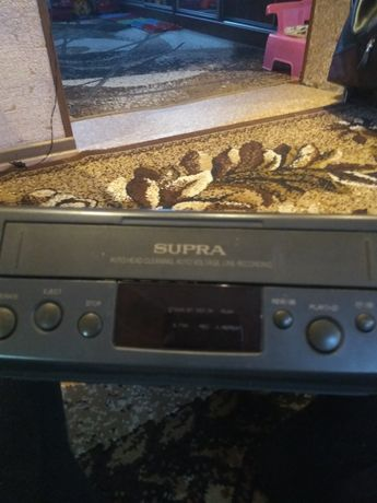 Видеомагнитафон SUPRA.