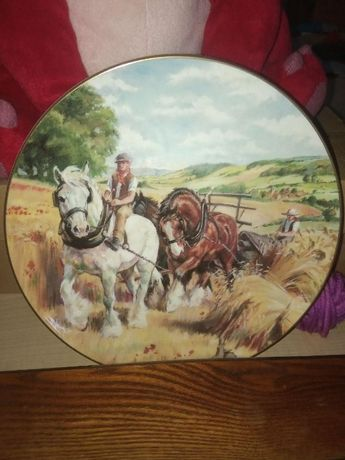 Декоративная тарелка Royal Doulton Лошади