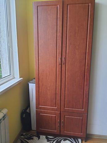 Шкафи в кімнату.