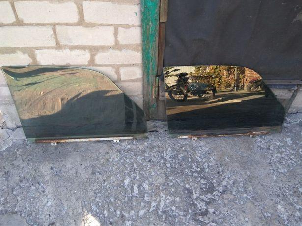 Стекла дверные на Газ (Волга) 31105