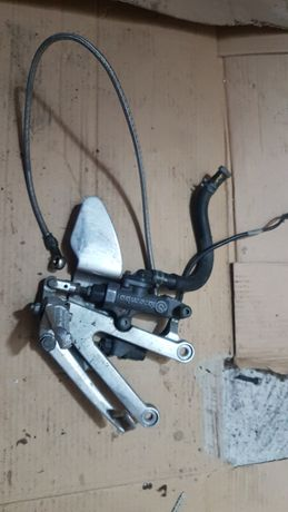 Yamaha R1 Rn04- set prawy przód komplet