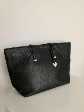 Czarna torebka typu shopper
