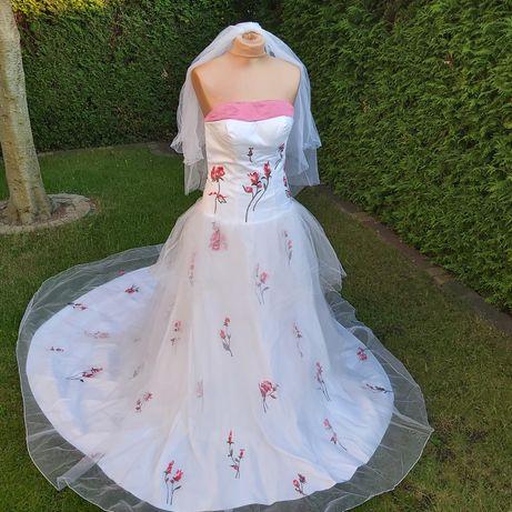 Suknia ślubna kwiaty marszczenia tren