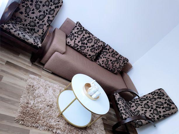 Sofa z poduchami i 2 fotele, stan idealny