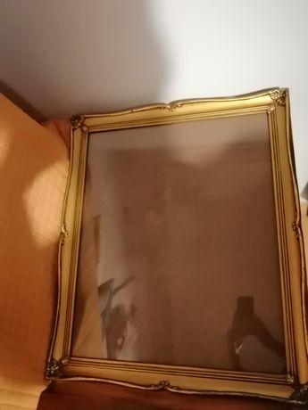 Moldura dourada muito antiga