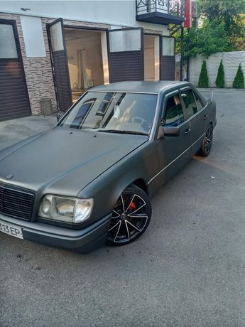 Mercedes 124 E klass