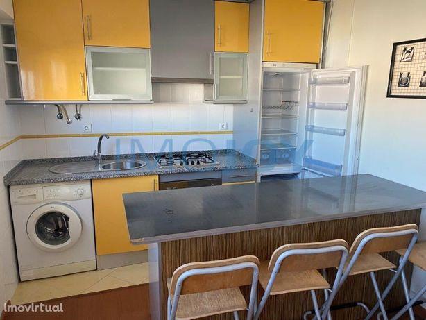 Apartamento T0 em Queluz
