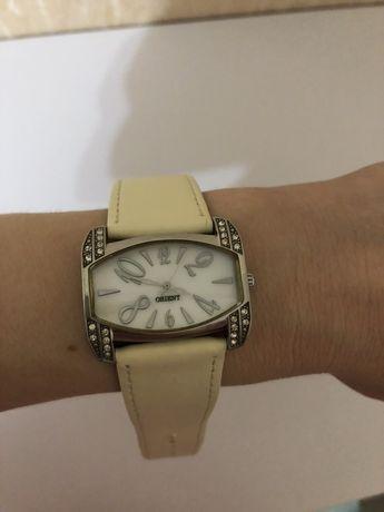Часы оригинальные марки ORIENT с цирконием