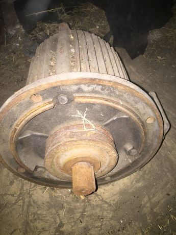 Електродвигун , електродвигатель