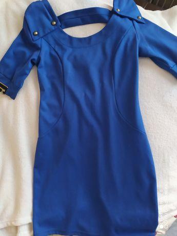 Продам платье синего цвета