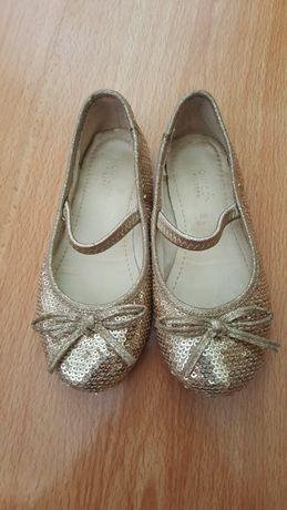 Блестящие туфли размер 25