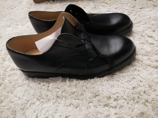 Nowe Półbuty letnie, pantofle, skórzane glanzbut, rozmiar 42,5 i 24,5