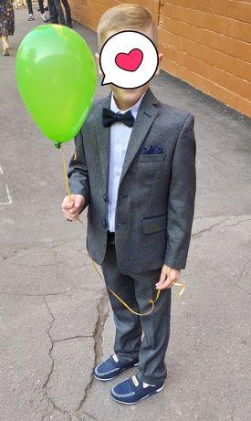 Шикарный костюм на мальчика