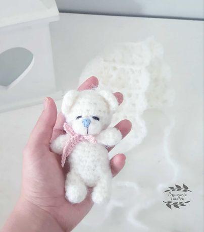 Miś na szydełku bonetka sesje zdjęciowe noworodkowe niemowlęce