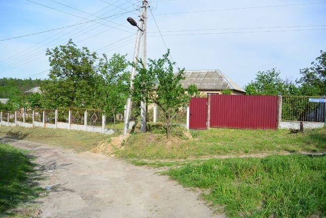 Терміново! Продам земельну ділянку з недобудованим будинком