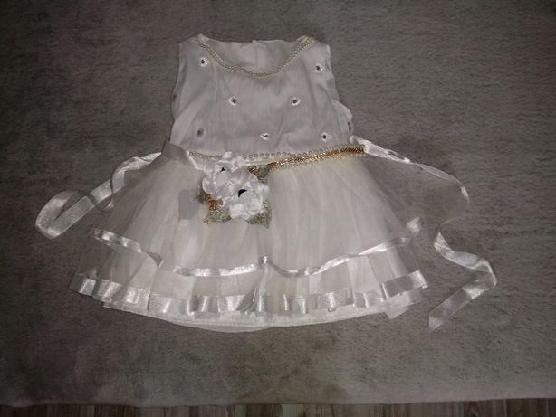 Sukieneczka do chrztu, na roczek, stan idealny