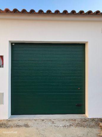 Alugo garagem em Alpiarça