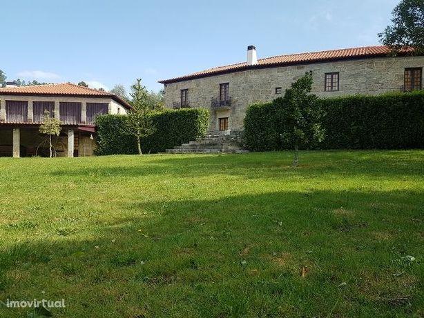 Quinta Senhorial T9 Guimarães ( 10kms)