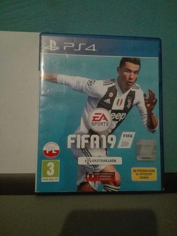 Sprzedam FIFA 19 PL