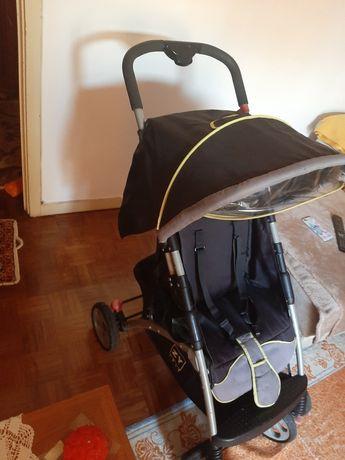 Carro de bebé usado mas em ótimo estado