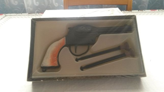 Продам дитячі пістолети.