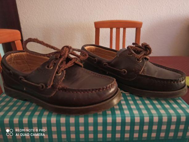Sapatos de menino