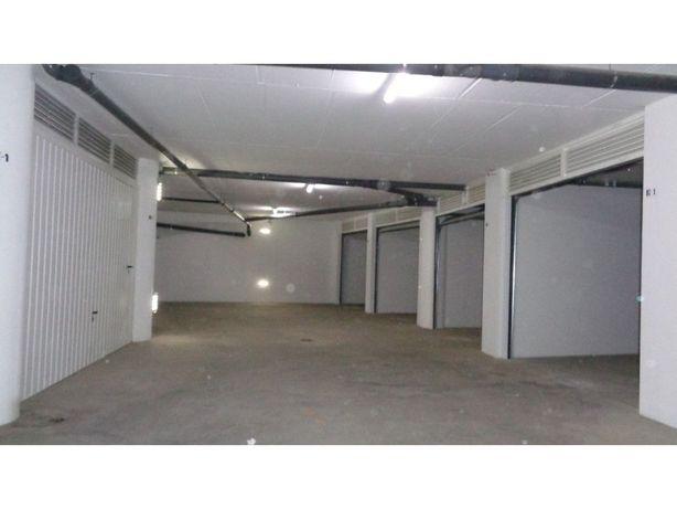 Garagem nova de 12 m2 no centro da cidade de Castelo Branco